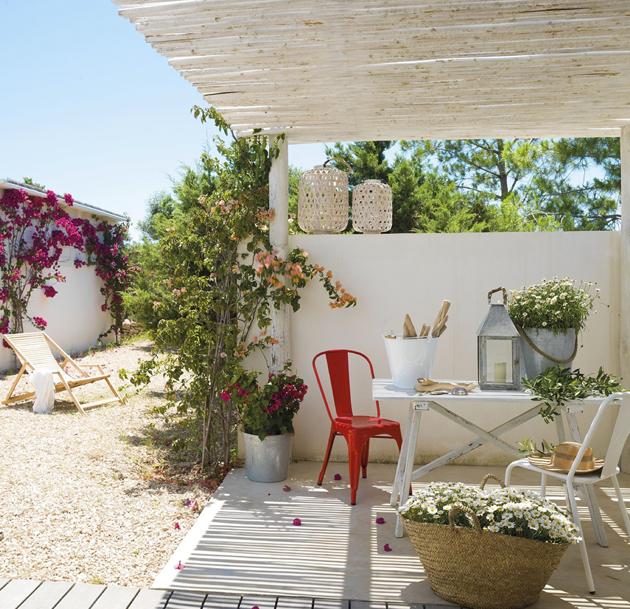 Decotips consigue un look de estilo mediterr neo en la for El mueble terrazas