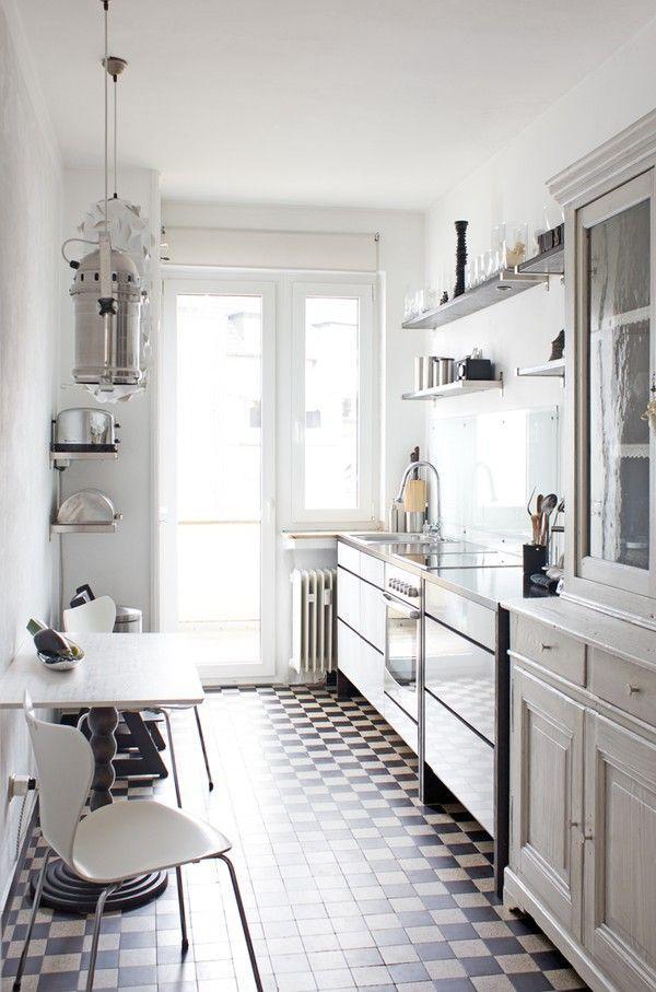 Decotips una cocina larga y estrecha no es problema for Cocina larga y angosta