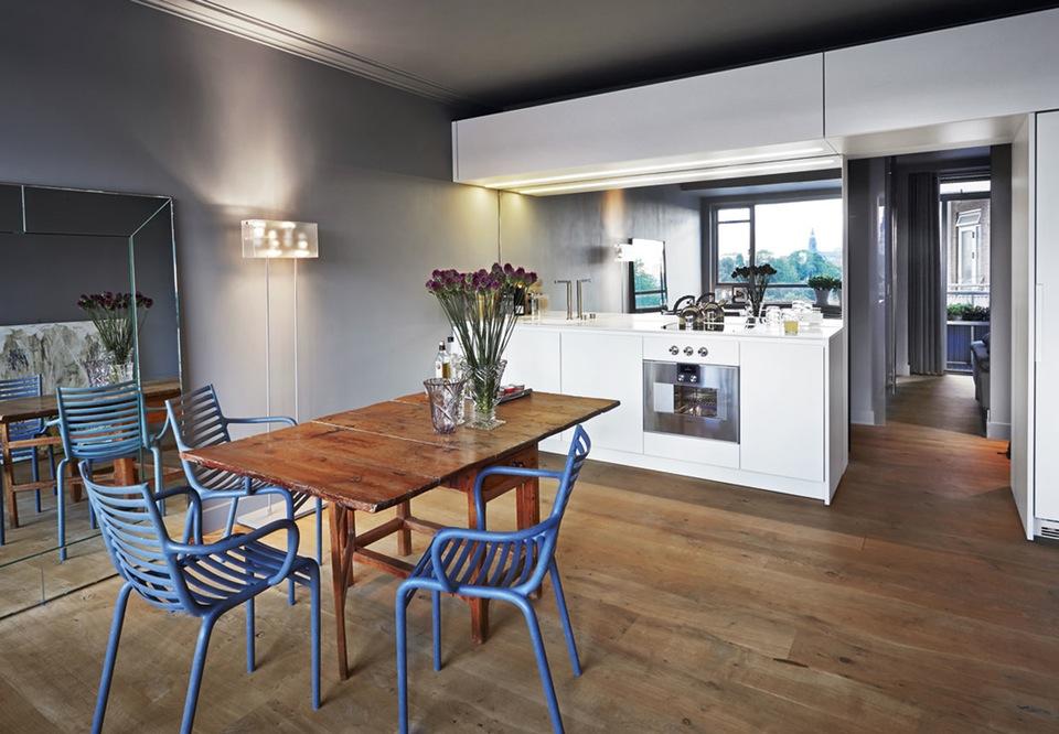 Interior 53 m en clave de soltero virlova style for Decoracion espacios interiores