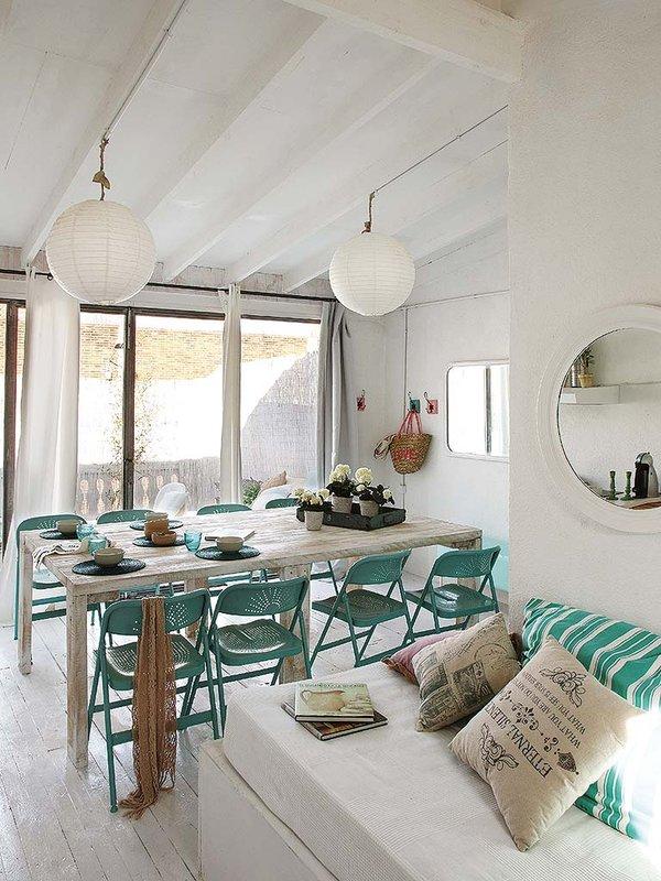 Vintage interior vintage muy fresco con acentos celestes virlova style - Arredare casa al mare shabby ...