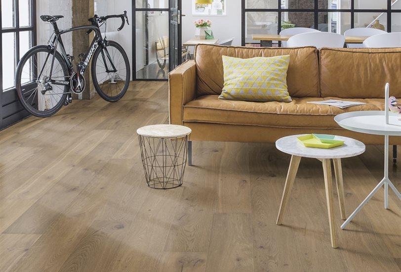 Como renovar el suelo de casa de forma econ mica virlova - Como colocar microcemento ...