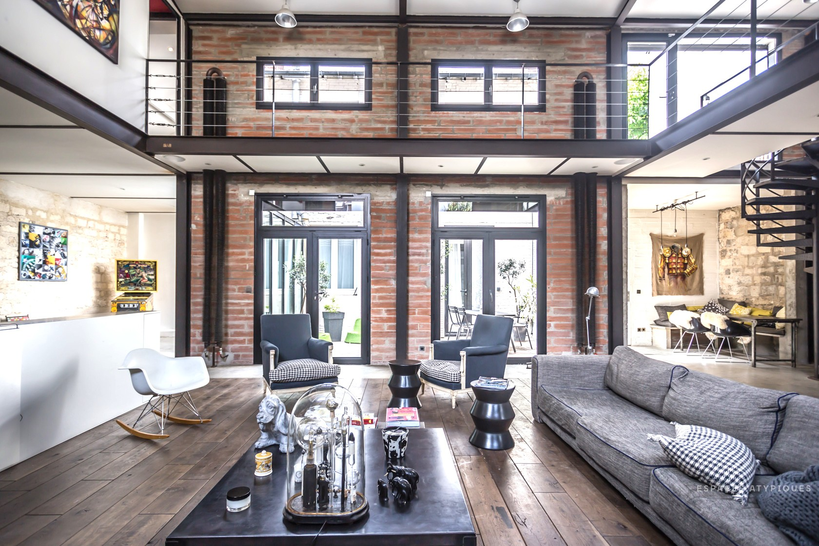 interior industrial loft style virlova style. Black Bedroom Furniture Sets. Home Design Ideas